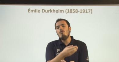 Vídeo Curso de Filosofia Aula 45 Sociologia Durkheim e o Fato Social