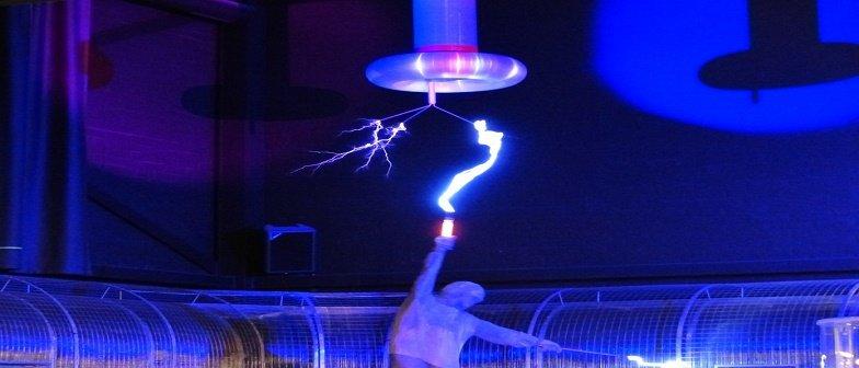 Eletromagnetismo Indução Eletromagnética Vestibular1